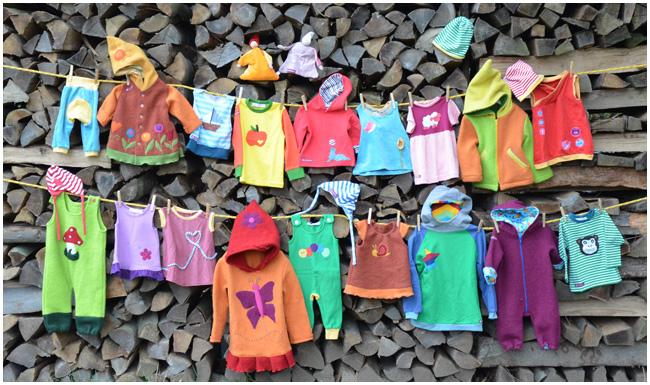 Kinderkleidung auf wäscheleine  Kinder Kleidermarkt - Bewegungskindergarten Gänseblümchen e.V.